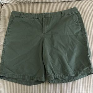 GAP Shorts - Gap Boyfriend Roll Up Shorts ~ 14